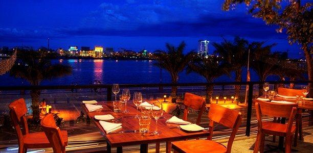 Waterfront-Danang-Restaurant-and-Bar2