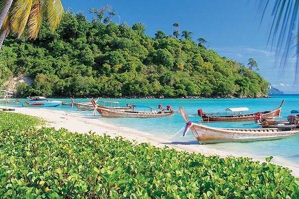 Outrigger Phi Phi Island0