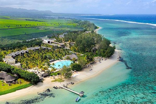 Outrigger Phi Phi Island5