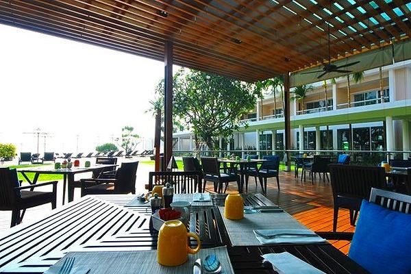 phuket-panwa-beachfront-resort-3