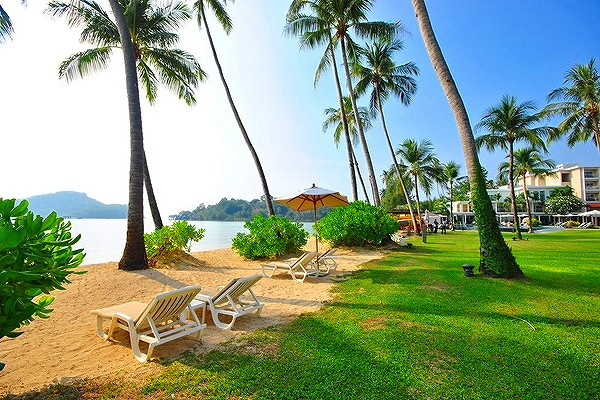 phuket-panwa-beachfront-resort-8