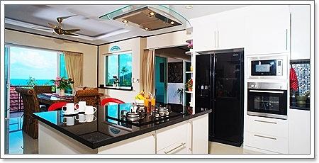 The Naka PhuketSamui Sunrise Villa4