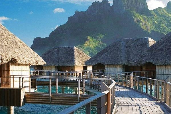 Four Seasons Resort Bora Bora9