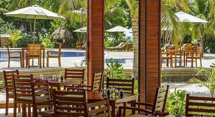 furaveri-island-resort-spa-12